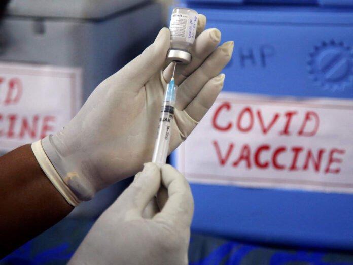 maharashtra vaccination drive latest update: Maharashtra Vaccination Drive: लसीकरणात महाराष्ट्राने नोंदवला नवा उच्चांक; CM ठाकरे म्हणाले... - maharashtra vaccinated over 5.5 lakh citizens in a day