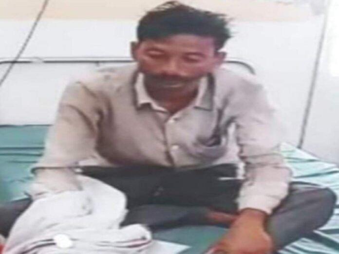 संयमाचा बांध फुटला! शेतकऱ्याने 'या' कारणासाठी थेट तहसीलदारांच्या दालनात प्यायलं विष - amravati the farmer tried to commit suicide in the tehsildars office