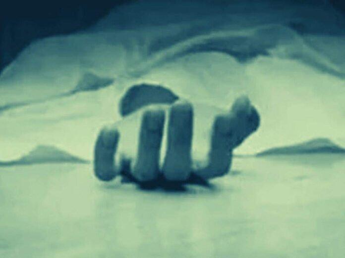 Murder News: धक्कादायक! युवकाच्या हत्येनंतर आरोपीला जागीच मिळाली शिक्षा, 'असा' गमावला स्वत:चा जीव - murder of 35 year old youth at akola killer is also died