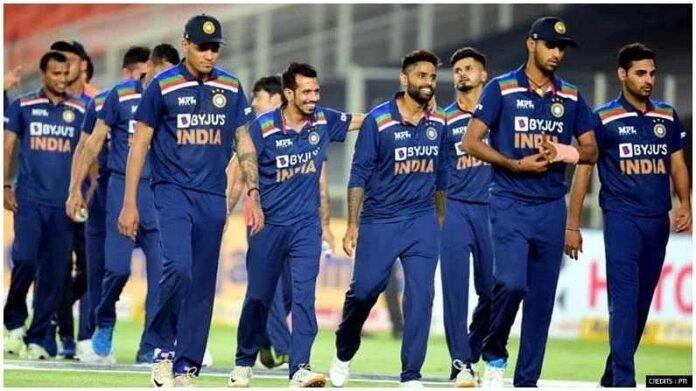 भारताने नवखा संघ श्रीलंकेला पाठवला आणि अनुभवी संघ इंग्लंडला, श्रीलंकेचा माजी कर्णधार संतापला   Sri lankan Former captain Arjuna Ranatunga Angry over Sri Lanka Cricket Managment For Allowing India B team to Sri lanka and A team to England