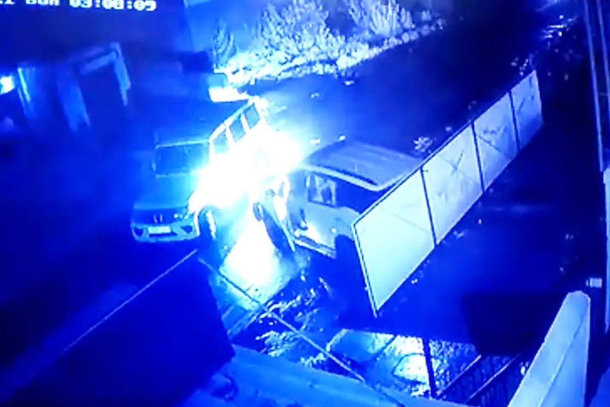 पोलीस आणि चोर आमनेसामने, एक चूक अन् चोरटे पळाले, LIVE VIDEO   Pune