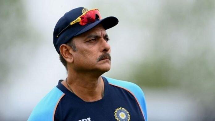 भारतीय संघात मोठे बदलाव होण्याची शक्यता, रवी शास्त्रींच्या जागी द्रविडच्या नावाची चर्चा, कपिल देव यांच मोठं वक्तव्य   Indian former Cricketer Kapil Dev took side of Ravi Shastri to Continues as Team India Coach