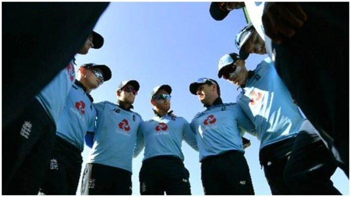 मोठी बातमी : इंग्लंड क्रिकेट संघात कोरोनाचा शिरकाव, 3 खेळाडूंसह 7 सदस्य कोरोनाबाधित, इंग्लंड क्रिकेट बोर्डाची माहिती   Before England vs Pakistan Series 7 Members of england Mens Team tested Corona positive Informed by England Cricket Board