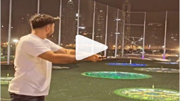 Video : 'या' स्टार खेळाडूने बॅटने नाही तर गॉल्फ स्टिकने खेळला हेलिकॉप्टर शॉट, व्हिडीओ पाहून क्रिकेटप्रेमी खुश   Rashid Khan Post Video of Himself Playing Helicopter Shot with Golf Stick