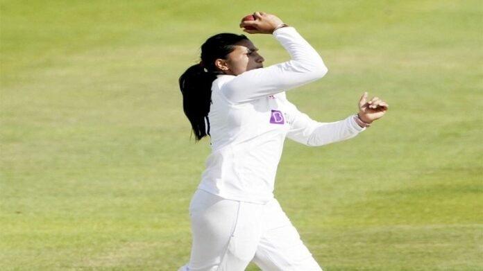 Photo : 5 वर्ष संघातून बाहेर, इंग्लंड दौऱ्यात पुनरागमन, अष्टपैलू खेळी करत जिंकली सर्वांचीच मनं   Indian All rounder Women Cricketer Sneh Rana Comeback in team after 5 years and Played Very Well Against England